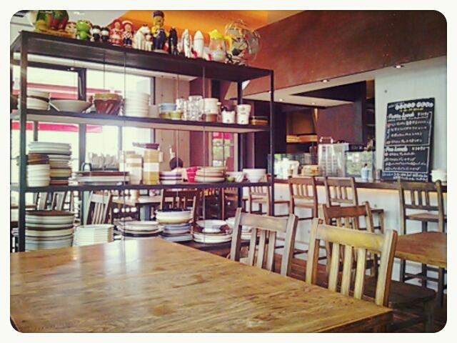 マカロニ食堂。